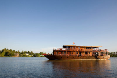 100 years later, the Bassac II on Cổ Chiên river