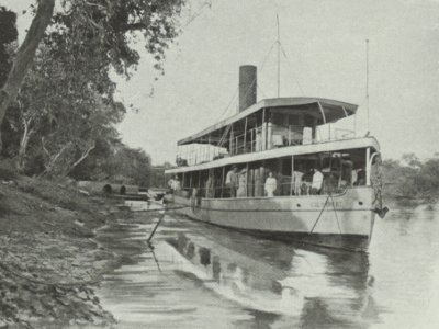 The Colombert, a 105 tons steamer, in Laos; in: Excursions aux temples d'Angkor; livret du passager; Messageries Fluviales de Cochinchine