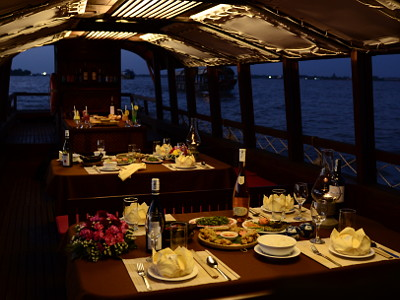 [image] Dinner on board with extras