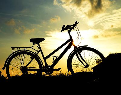 [image] Vélo au coucher du soleil