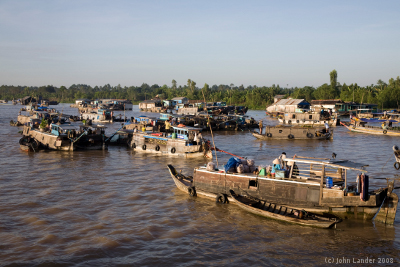 Floating market at Trà Ôn, early morning, picture: John Lander